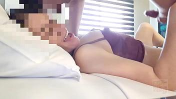 Русские свингеры на огромный диванчика занялись сексом