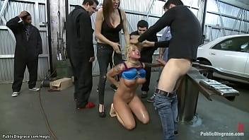 Вудман вытрахал моральные принципы из внеочередной проститутки и не забыл оставить свой след в её анальчику
