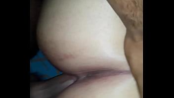 Красотуля в пустыне позирует голышом и гарцюет на пенисе инструктора
