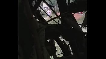Африканец вставляет толстый хуй в мокрощелку толстой милфы