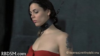 Рыжеволосая главная участница трахнулась с режиссером ради роли в постановке