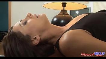 Мастурбация пышногрудой бабули перед вебкой с быстрой сексом страпон в нахлобученную пилотку