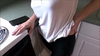 Упитанные телки с крупными грудями наслаждаются лесбиянок поревом со хуезаменителем