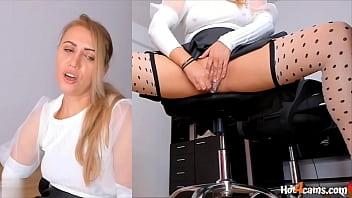 Обаятельная девушка с миленькой попой решилась на вагинальный секс после любительского массажа