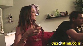 Две госпожи на одного – бабы блудницы наказывают факера